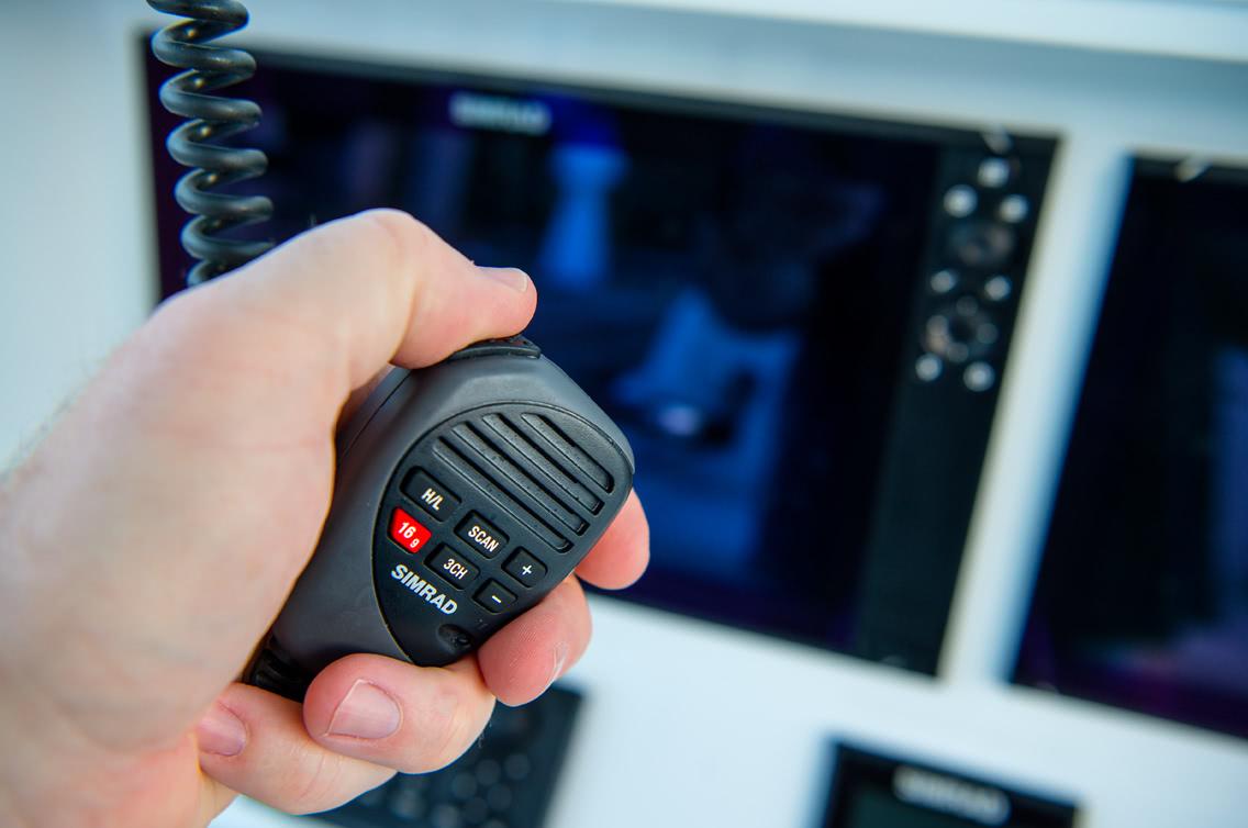 Simrad Radio VHF