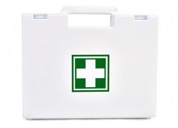 Boîte à pharmacie / fluviale et semi-hauturière / < 6 mn d'un abri