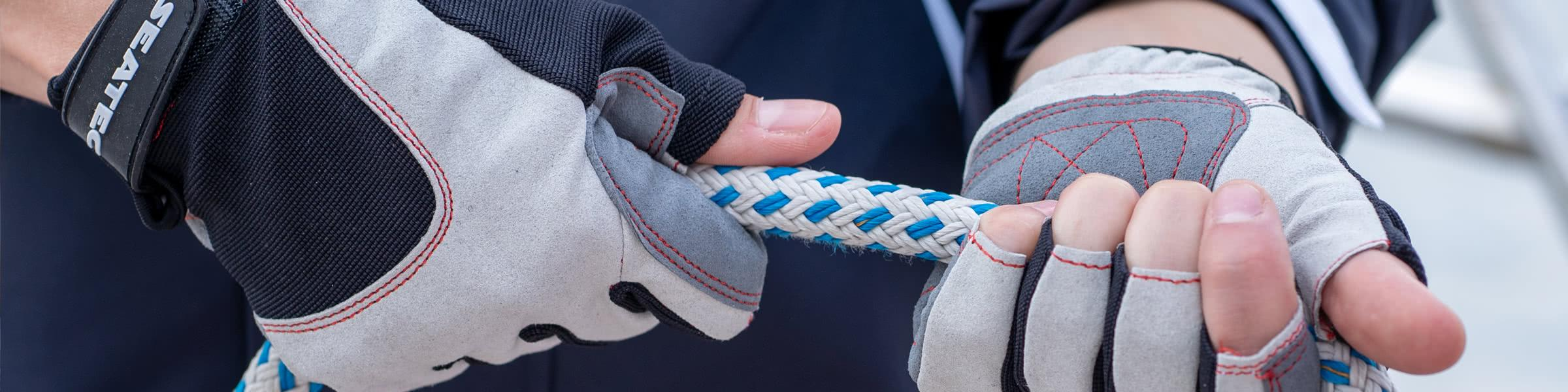 Keep a firm grip with SEATEC gloves