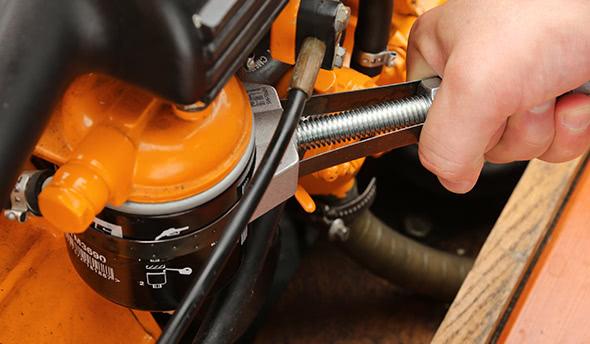 Filter change for diesel engines