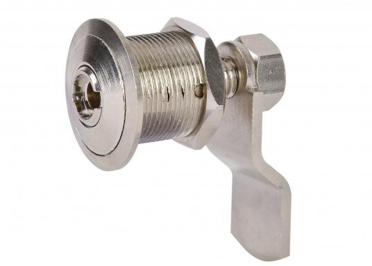 Drehverschluss aus Messing, verchromt. Mit kleinem Nutschlüssel zur Verriegelung. Maximale Einbaustärke (Materialdicke): 18 mm, Einbau-Ø: 20 mm.  (Bild 4 von 5)