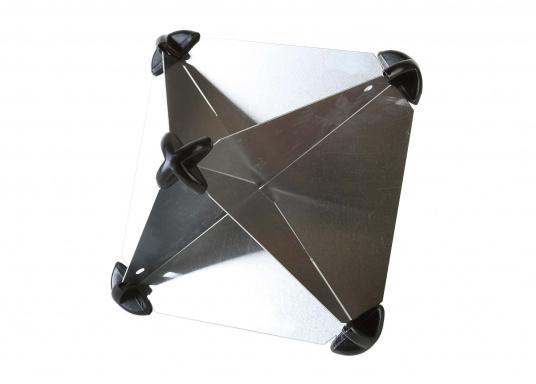 Zusammensteckbarer Radarreflektor aus Aluminium. Anbringung im Masttop oder im Achterstag möglich. Lieferbar in drei Größen.  (Bild 3 von 6)