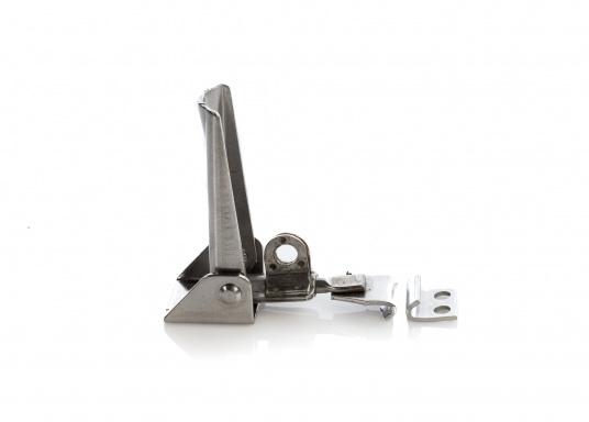 Hebelverschluss aus Edelstahl, rostfrei. Mit Einstellmöglichkeit der Spannung und Bohrung für ein Vorhängeschloss. Durchmesser der Befestigungslöcher ist 5 mm.