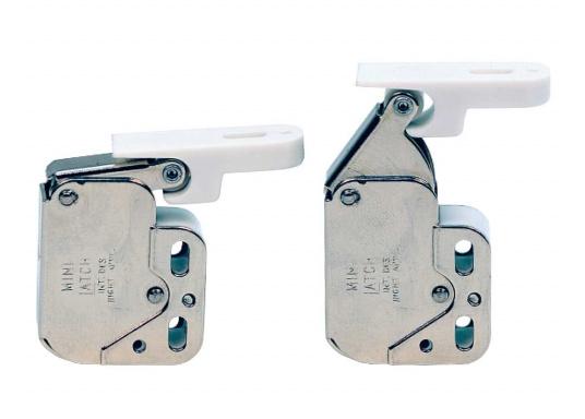 Kleiner Druckschnapper für Türen und Schaps. Mit Gegenplatte. Material: Stahl, vernickelt.  (Bild 2 von 3)