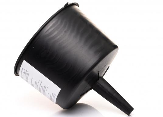 MR. FUNNEL sorgt für sauberen Kraftstoff und lange Lebensdauer für Ihren Motor! Der Treibstoff-Filter filtert Wasser und Verunreinigungen aus Benzin, Diesel, Kerosin und 2-Takt-Gemischen. Erhältlich in drei Ausführungen.  (Bild 6 von 6)