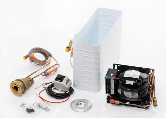 Das Isotherm-SP-Aggregat ist ein neues System, das direkt vom Außenwasser gekühlt wird. Dies bedeutet, dass die Kühleffektivität völlig unabhängig von der Lufttemperatur im Boot ist. (Bild 5 von 5)