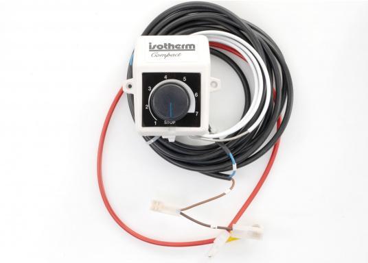 Das Isotherm-SP-Aggregat ist ein neues System, das direkt vom Außenwasser gekühlt wird. Dies bedeutet, dass die Kühleffektivität völlig unabhängig von der Lufttemperatur im Boot ist. (Bild 4 von 5)