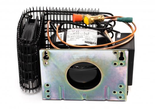 Die Isotherm ASU-Systeme wurden zum Einbau in vorhandene Kühlboxen entwickelt und vor allem für den Einsatz auf Segelbooten vorgesehen. Das ASU-System erlaubt maximale Kühlleistung bei minimaler Belastung der Batterien. (Bild 3 von 4)