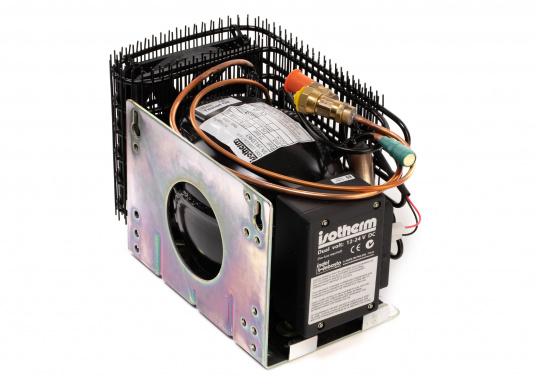 Die Isotherm ASU-Systeme wurden zum Einbau in vorhandene Kühlboxen entwickelt und vor allem für den Einsatz auf Segelbooten vorgesehen. Das ASU-System erlaubt maximale Kühlleistung bei minimaler Belastung der Batterien.