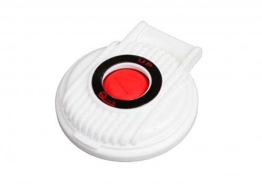 Kompakter Fußtaster für die Montage an Deck. Eine Schutzklappe vermeidet versehentliches Bedienen. Erhältlich mit Up- bzw. Down-Aufschrift.