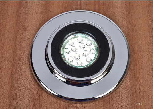 Eleganter LED-Einbaustrahler. Mit seinem verchromten Abdeckring ist dieser Strahler ein Schmuckstück für jede Inneneinrichtung. Ausgestattet mit 12 LEDs, Lichtfarbe warmweiß.  (Bild 2 von 3)