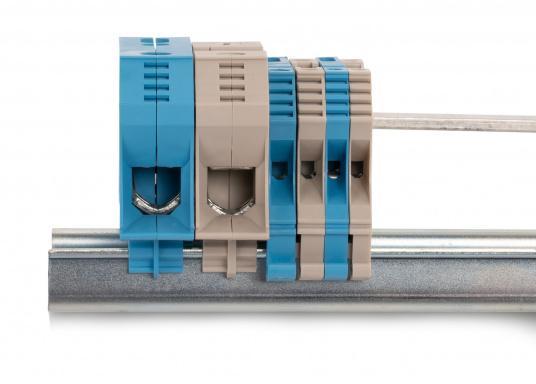 Sorgen Sie für Ordnung im Verteilerschrank! Diese Reihenklemmen bieten funktionelle Perfektion bis ins Detail und sind unabdingbarer Bestandteil einer zuverlässigen und sicheren Elektroinstallation an Bord. Lieferbar in verschiedenen Größen.  (Bild 7 von 12)