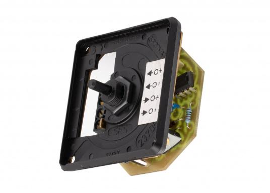 Passend für die Berker-Serie ist ein stromsparender Gleichspannungsdimmer mit speziellen Schutzfunktionen für Halogenlampen lieferbar. Max. Belastbarkeit 60 Watt.  (Bild 3 von 5)