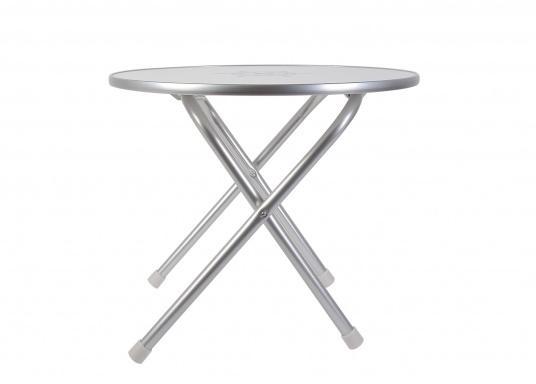 Stabil und schick! Der klappbare Deckstisch ist mit einer Tischplatte mit hochwertiger Melamin-Beschichtung und maritimem Dekor ausgestattet. Lieferbar in verschiedenen Größen und Formen. (Bild 2 von 4)