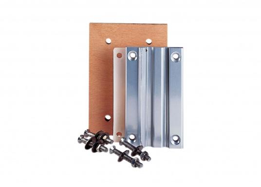 Das praktische Tisch-Untergestell ist klappbar und schwenkbar und kann leicht von der Montageplatte gelöst werden. Passende Tischplatten sind optional erhältlich.  (Bild 10 von 12)