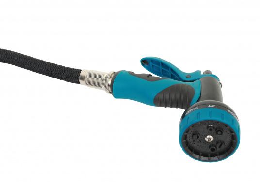 Das Deckwaschpumpen-System besteht aus einer selbstansaugenden, automatischen Elektropumpe mit PTFE-Zahnrädern und einem spiralförmigen Schlauch mit Spritzpistole. Besonders geeignet für Reinigungsarbeiten mit Salz- oder Frischwasser. (Bild 3 von 4)