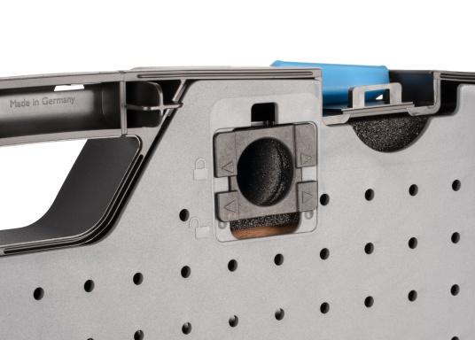 Gerüstet für alle Fälle –mit diesem Werkzeugkoffer haben Sie alles immer sofort griffbereit!Alle 47 verchromten GEDORE Vanadium-Werkzeuge sind gut eingeordnet und fest eingeklemmt. (Bild 4 von 8)