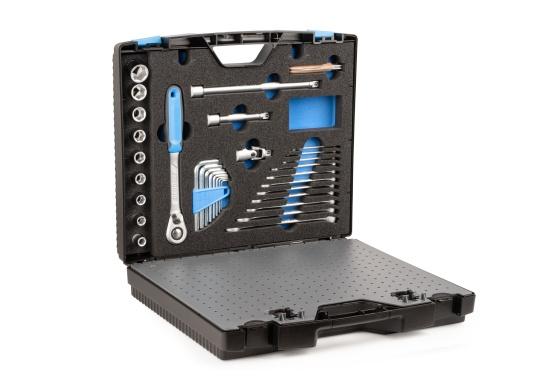 Gerüstet für alle Fälle –mit diesem Werkzeugkoffer haben Sie alles immer sofort griffbereit!Alle 47 verchromten GEDORE Vanadium-Werkzeuge sind gut eingeordnet und fest eingeklemmt.