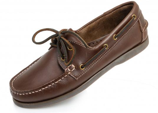 Attraktiver Schuh mit 2 Loch Schnürung zu einem Spitzenpreis! Dieser zeitlos schöne und bequeme Damen- und Herrenschuh ist für an Bord und in der Freizeit geeignet.