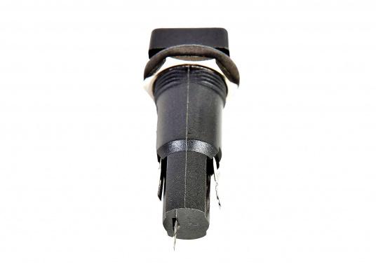 Ersatz-Sicherungshalter für Schalttafeln. Lieferbar in zwei Formen: Eckig oder rund.Abmessung: Einbau-Ø 6,2 mm, Länge: 32 mm. Ersatzsicherungen sind separat erhältlich.  (Bild 7 von 7)
