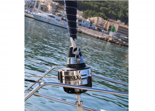 FURLEX is a worldwide reference in jib selling furling systems! Supplied as a complete kit with all parts needed for installation and operation. Several models are available.
