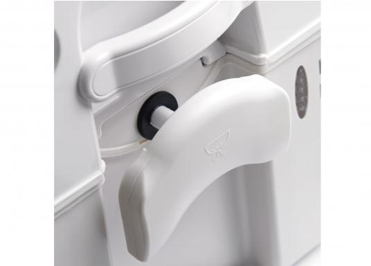 Aussi confortables qu'àla maison ! Ces toilettes apportent tout le confort dans les espaces restreints. Réservoir à matières9,8litres  (Image 3 de 6)