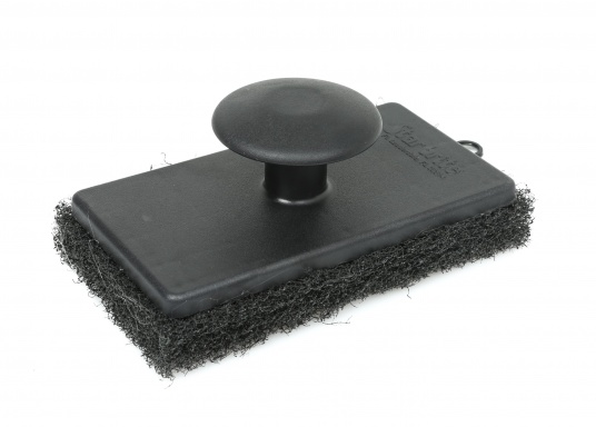Practical scrubber pads for effortless removal of persistant stains. A knob on the pad provides a comfortable handling. Ideal for scrubbing of hulls or antifouling and wherever coarse cleaning is required.