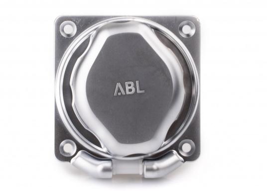 3-poliger Landanschluss im hochwertigen Design mit verchromter Oberfläche. IP56 wassergeschützt, 16 A, 230 V.