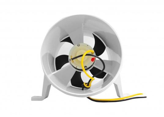 Extrem leise! Dieser Motorraumlüfter setzt neue Standards. Eine verbesserte Technik macht den Lüfter um 64% leiser als herkömmliche Modelle. Das optimierte Außengehäuse garantiert lange Lebenszeit.  (Bild 3 von 4)