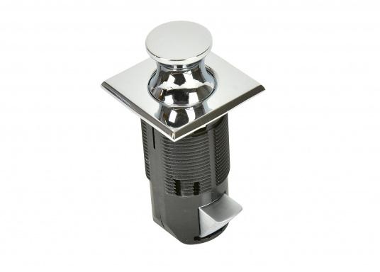 Druckschnapper in Chrom gefertigt, in eckiger Form. Bündiges Design.