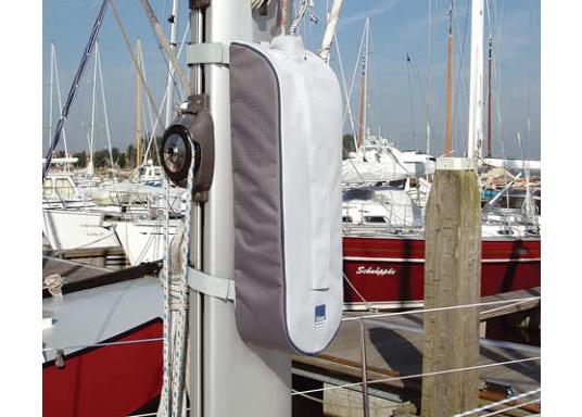 Mast-Tauwerktasche zur direkten Montage am Mast. Ausgestattet mit eingearbeitetem Netz am Boden für den Wasserabfluss. Einfache Befestigung mit Velcro-Spanngurten auf der Rückseite. (Bild 5 von 5)