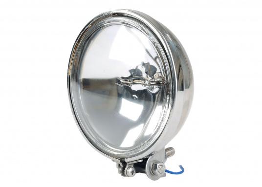 Klassische Form und hohe Leistungskraft. Das kleine Kraftpaket bietet ein helles und weit strahlendes Licht. Das klassische und kompakte Design, gefertigt aus poliertem Edelstahl ist als Schmuckstück für Ihr Boot ideal geeignet.