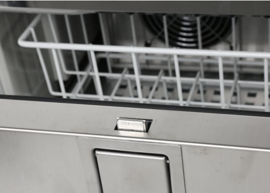 Besonders komfortabel! Exklusive Kühlschrankserie mit ausziehbaren Türen und Innendetailsaus rostfreiem Edelstahl.  (Bild 8 von 9)