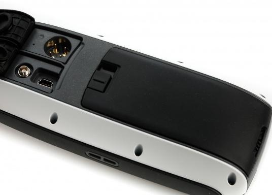 Robustes und schwimmfähiges GPSmap, ideal für alle Bootsführer und Wassersportfans. Das Gerät bietet: einen 3-Achsen-Kompass mit einem barometrischen Höhenmesser, ein helles Farbdisplay, einen Empfänger mit hoher Empfangsempfindlichkeit.  (Bild 5 von 13)