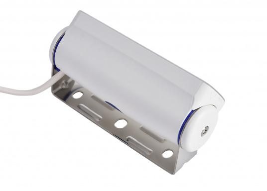 Der breitstrahlende, mit Präzisionsoptik ausgestattete LED Scheinwerfer eignet sich besonders für den Einsatz im Nahbereich, in Cockpits und auf Deck. Erbietet eine beachtliche Lichtstärke bei sehr geringer Leistungsaufnahme. (Bild 6 von 8)