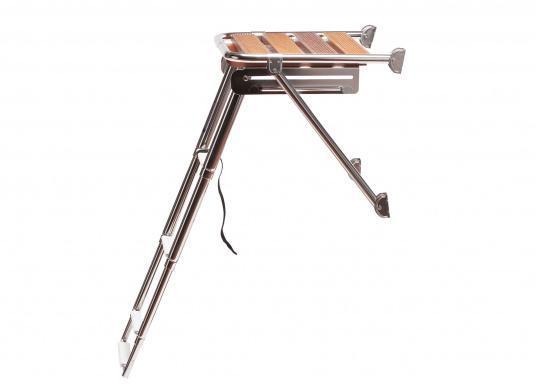 Für unbeschwerten Badespaß! Badeplattform aus Edelstahl und Teak,mit teleskopischer Leiter und vier Stufen.  (Bild 4 von 4)