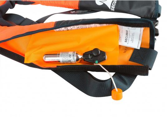 La coupe et le poids de ce gilet en font un équipement idéal pour l'aviron, le kayak et tout autre sport nautique pratiqué en eaux intérieures et espaces côtiers protégés. 100 N. Pour utilisateur à partir de 50 Kg (Image 9 de 10)