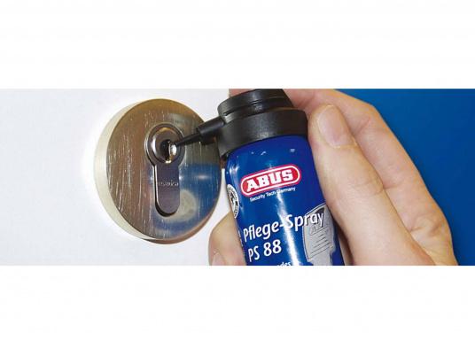 Nichtfettendes Spezialmittel für Heim, Hobby und Handwerk. PS 88 schmiert, schützt, reinigt, verdrängt Feuchtigkeit und wirkt vorbeugend gegen Vereisung. (Bild 2 von 2)