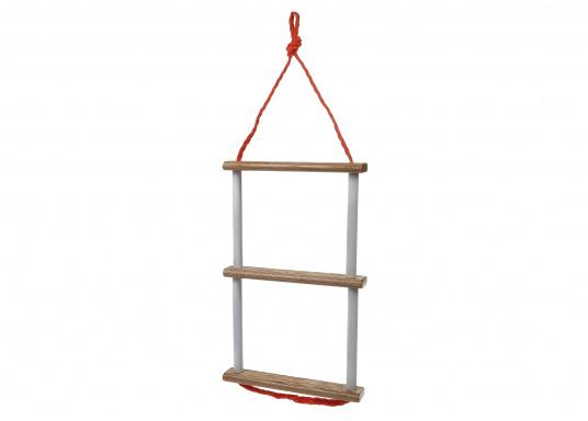 Pratique, légère et particulièrement stable&nbsp&#x3B;! Cette échelle à corde avec marches en bois peut également être rangée dans un petit espace. Disponible en deux versions&nbsp&#x3B;: avec 3 ou 4 marches.