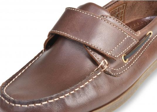 Schluss mit lästigem Schnüren – der Klettverschluss ermöglicht ein einfaches An- und Ausziehen. Der Schuh ist aus strapazierfähigem Glattleder gefertigt und bietet hohe Bequemlichkeit.  (Bild 8 von 8)