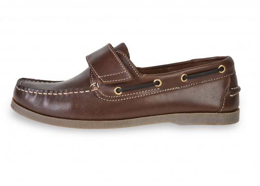 Schluss mit lästigem Schnüren – der Klettverschluss ermöglicht ein einfaches An- und Ausziehen. Der Schuh ist aus strapazierfähigem Glattleder gefertigt und bietet hohe Bequemlichkeit.  (Bild 2 von 8)