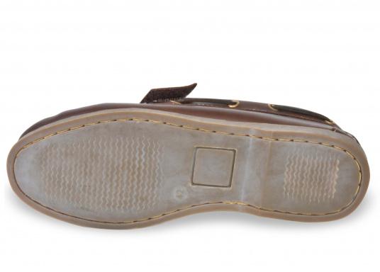 Schluss mit lästigem Schnüren – der Klettverschluss ermöglicht ein einfaches An- und Ausziehen. Der Schuh ist aus strapazierfähigem Glattleder gefertigt und bietet hohe Bequemlichkeit.  (Bild 6 von 8)