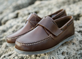Hook and Loop Fastener Boat Shoe / brown