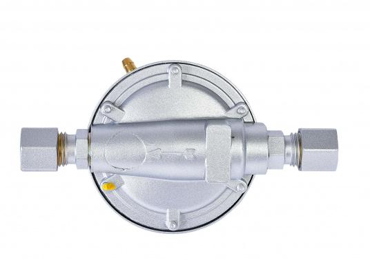 Dieser Vordruckregler ermöglicht die Nutzung von neuen Geräten mit 30 mbar an alten Systemen mit 50 mbar. Der Regler wird in die Gasleitung direkt vor dem Gasverbrauchsgerät eingebaut und reduziert den Betriebsdruck von 50 mbar auf 30 mbar. (Bild 3 von 4)