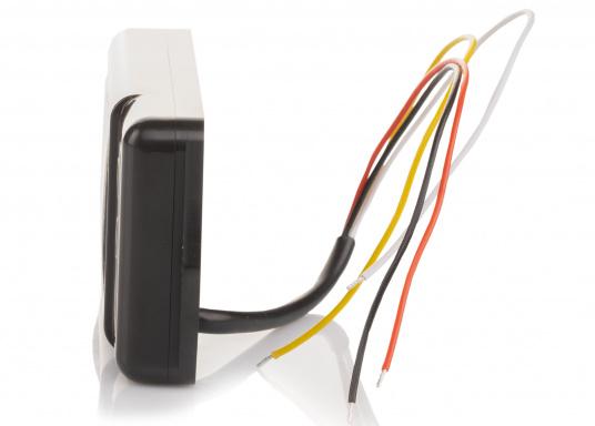 Der besonders kompakte BM-1 Compact wurde konstruiert für 12 Volt Batterie-Systeme mit einer Kapazität von bis zu 600 Amperestunden. Er wird komplett mit einem 100 Ampere Shunt und einem vorgefertigten Kabel geliefert.  (Bild 3 von 5)