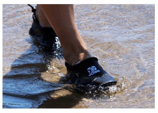Bequeme Wasser Schuhe, ideal für alle Wassersportaktivitäten. Sogar auf Wanderungen angenehm zu Tragen.  (Bild 9 von 12)