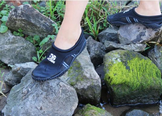 Bequeme Wasser Schuhe, ideal für alle Wassersportaktivitäten. Sogar auf Wanderungen angenehm zu Tragen.  (Bild 10 von 12)