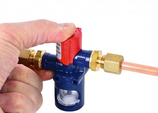 Testeur de fuite de gaz type 4071 marine facile et pratique à utiliser, sur simple pression d'un bouton. Convient à tous les circuits de gaz basses et moyennes pressions à bord. Le test fonctionne aussi par très basses températures. (Image 3 de 4)
