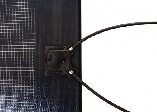 Besonders flexible Dünnschicht-Solarmodule– extrem dünn und trotzdem kraftvoll und äußerst widerstandsfähig, see- und salzwasserfest.  (Bild 6 von 8)