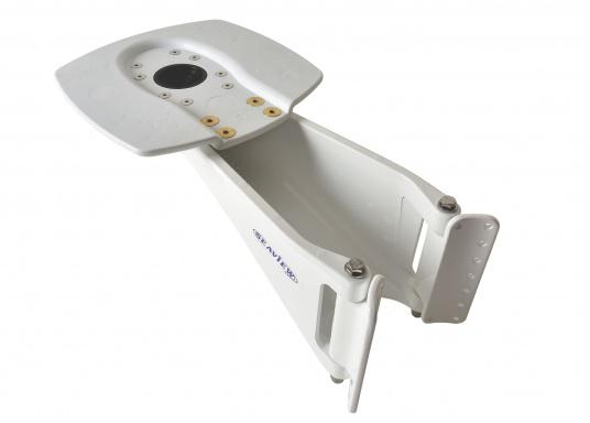 Immer die erste Wahl an Bord, die einfach zu installierende Mast-Radarhalterung. Lieferbar in zwei Ausführungen, ein Universalschutz ist passend zu jeder Halterung erhältlich.  (Bild 3 von 7)